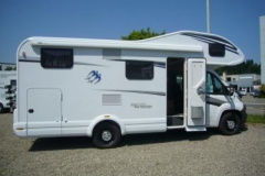 Knaus Sky Traveller 650 DG Superlight Alkoven